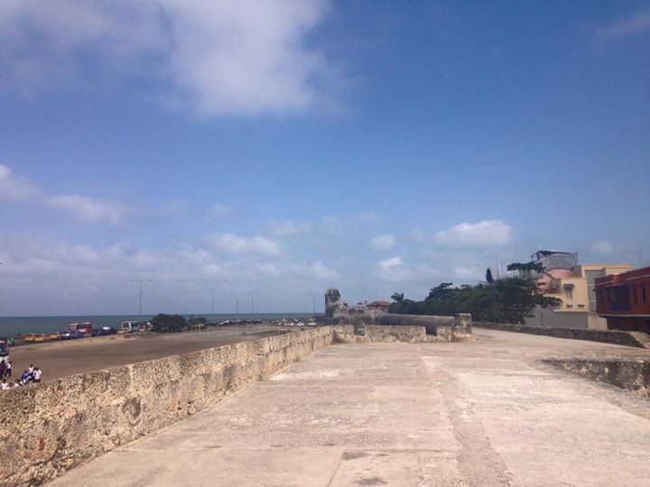 Caminhando em cima da muralha.