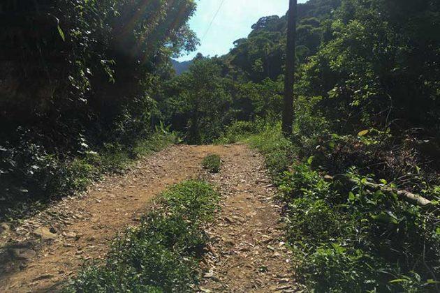 estrada para cachoeira do roncador